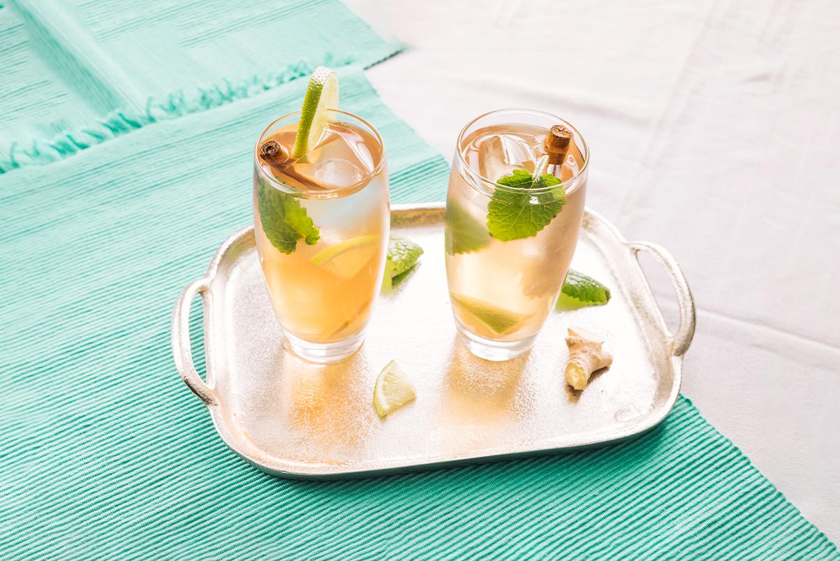 Tè freddo fatto in casa: 5 ricette naturali da provare